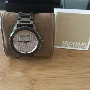Michael Kors Women's MK6245 Kinley Crystal Brown